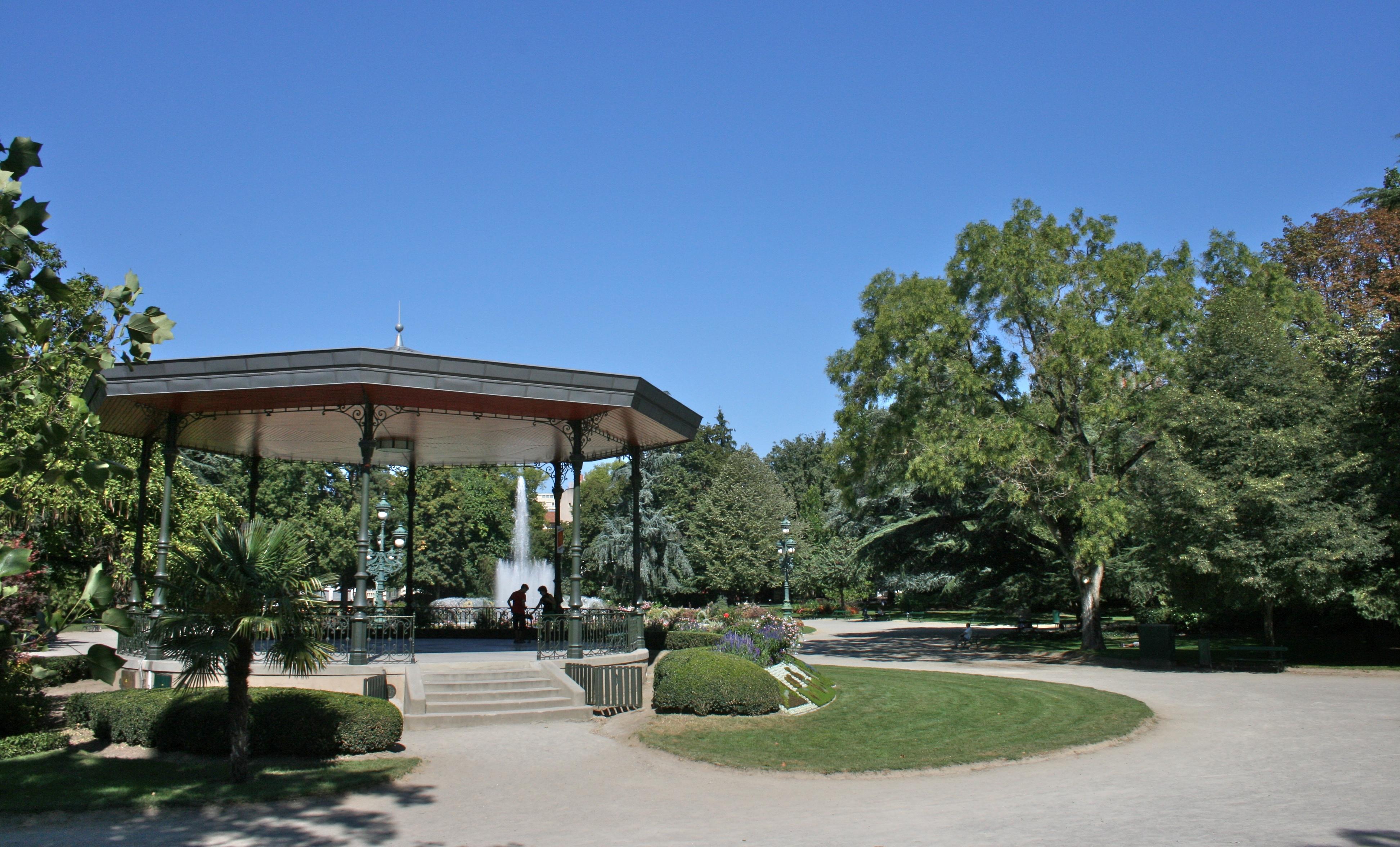 File Bandstand In Jardin Des Plantes Toulouse