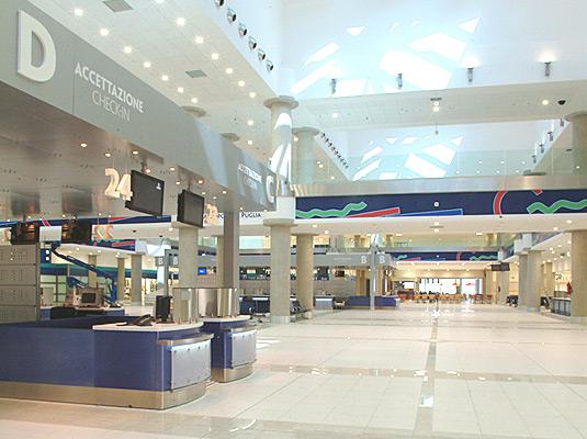 Bari airport departure