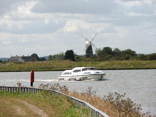 Boat passing navigation channel marker - geograph.org.uk - 1484328