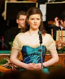Rebeka Bobanj Hungarian opera singer