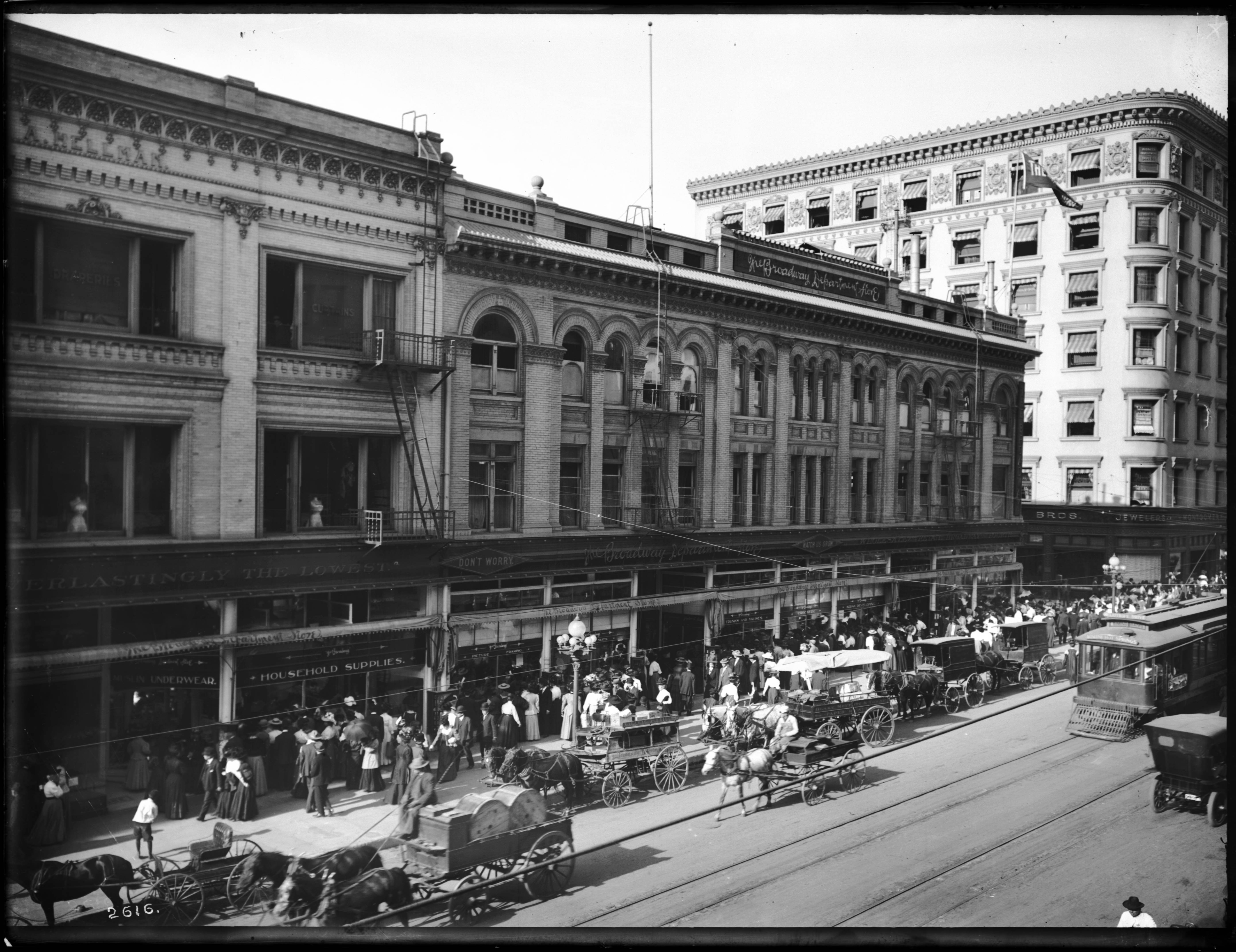 File:Broadway and Fourth Street, Los Angeles, ca.1908-1910 ...