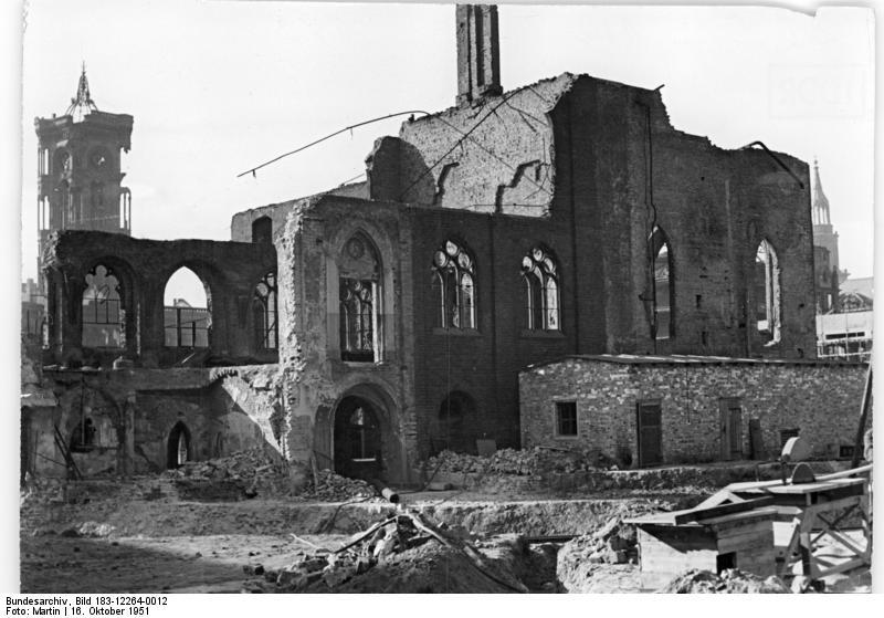 Bundesarchiv_Bild_183-12264-0012%2C_Berlin%2C_%22Graues_Kloster%22%2C_Ruine.jpg