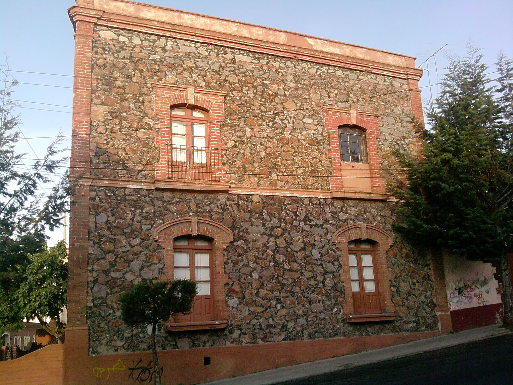 File casa de wikimedia commons for Fachadas de casas modernas wikipedia