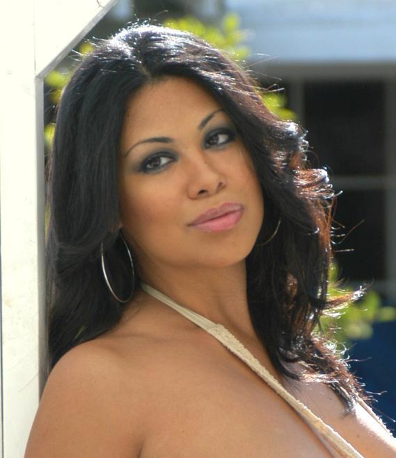 Cassandra Cruz Nude Photos 23