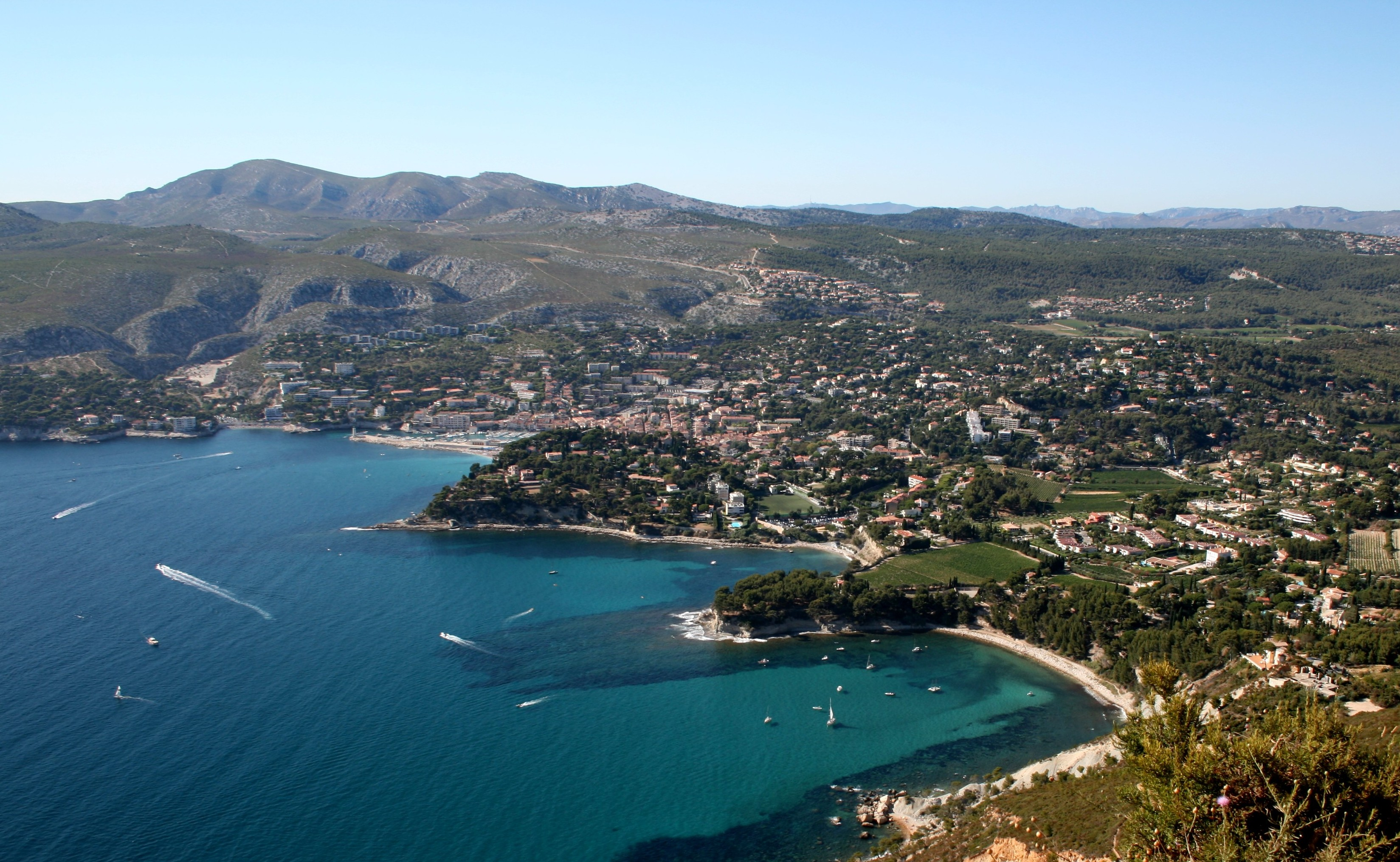 Cassis-Travel-Guide