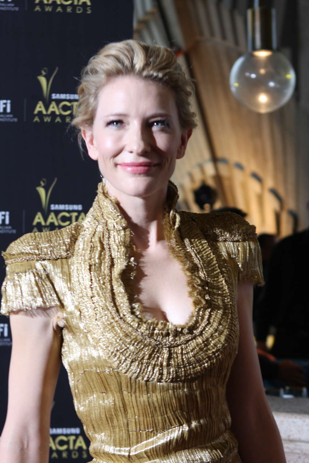 File:Cate Blanchett at the AACTA Awards (2012) 14.jpg ... Cate Blanchett Wikipedia