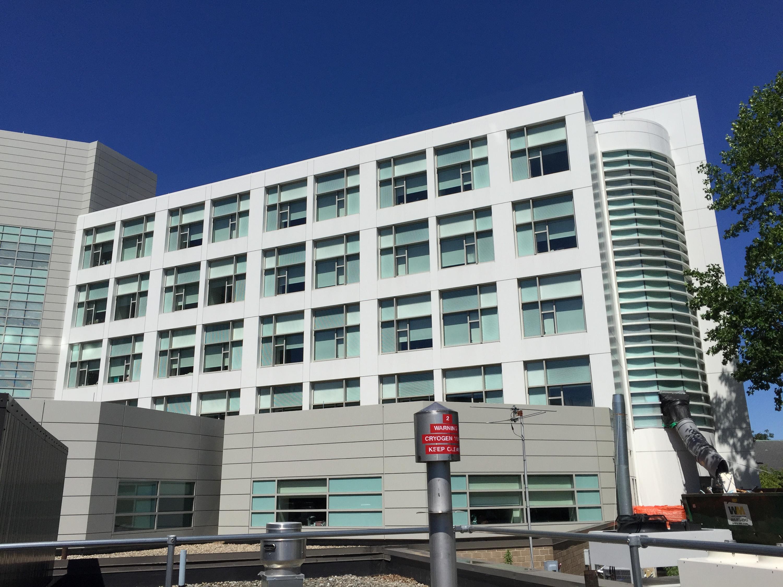 File:Charlton Hospital, Fall River, Massachusetts-building.jpg