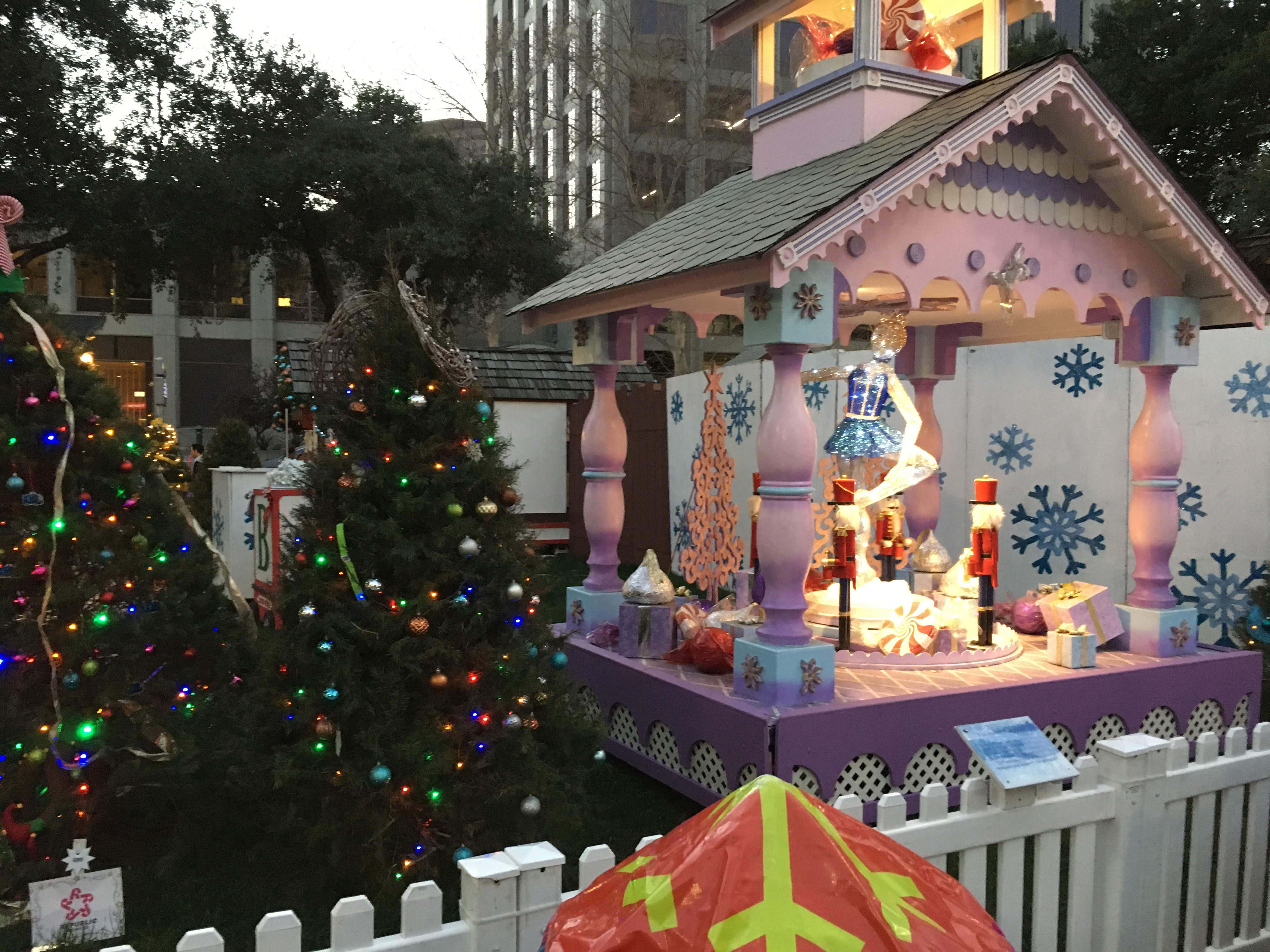 filechristmas in the park 20 2016 12 28jpg - When Does Christmas In The Park Open
