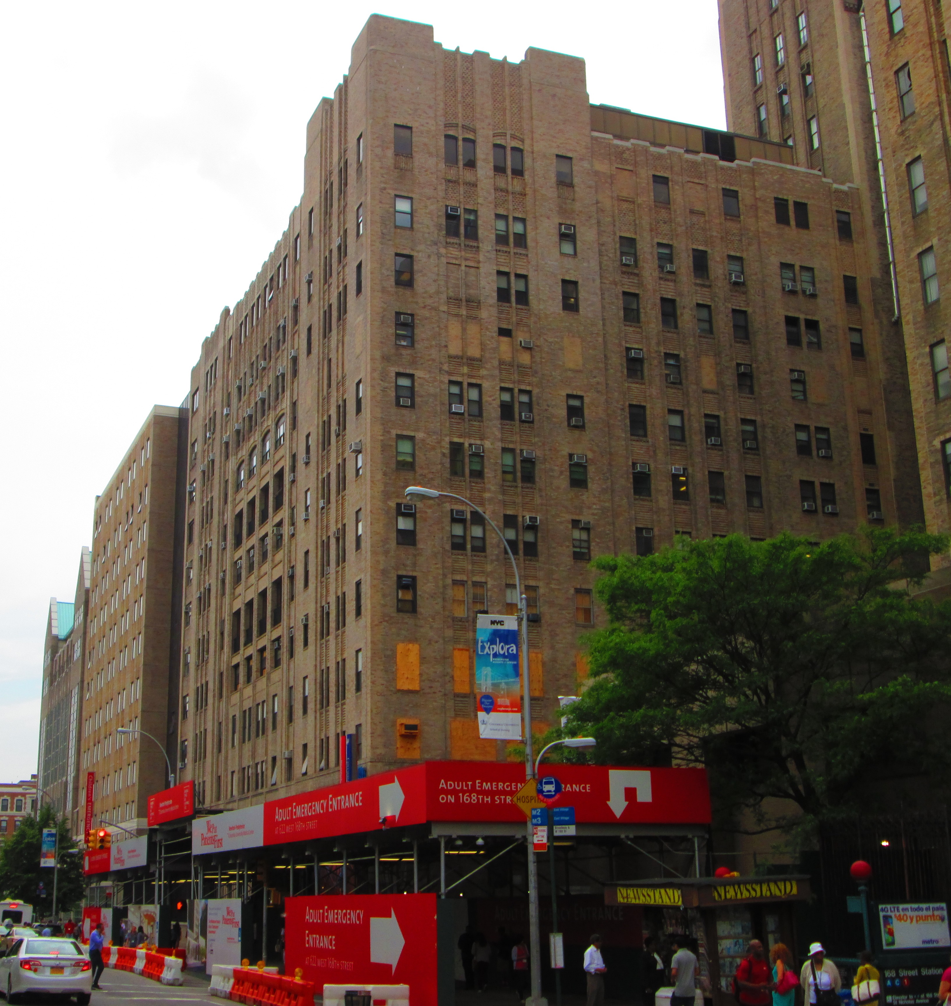 FileColumbia University Medical Center Buildings On Broadway Below West 167th Street