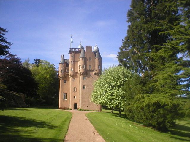 Craigievar_Castle.jpg