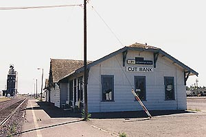 English: Train station in Cut Bank, Montana, U...