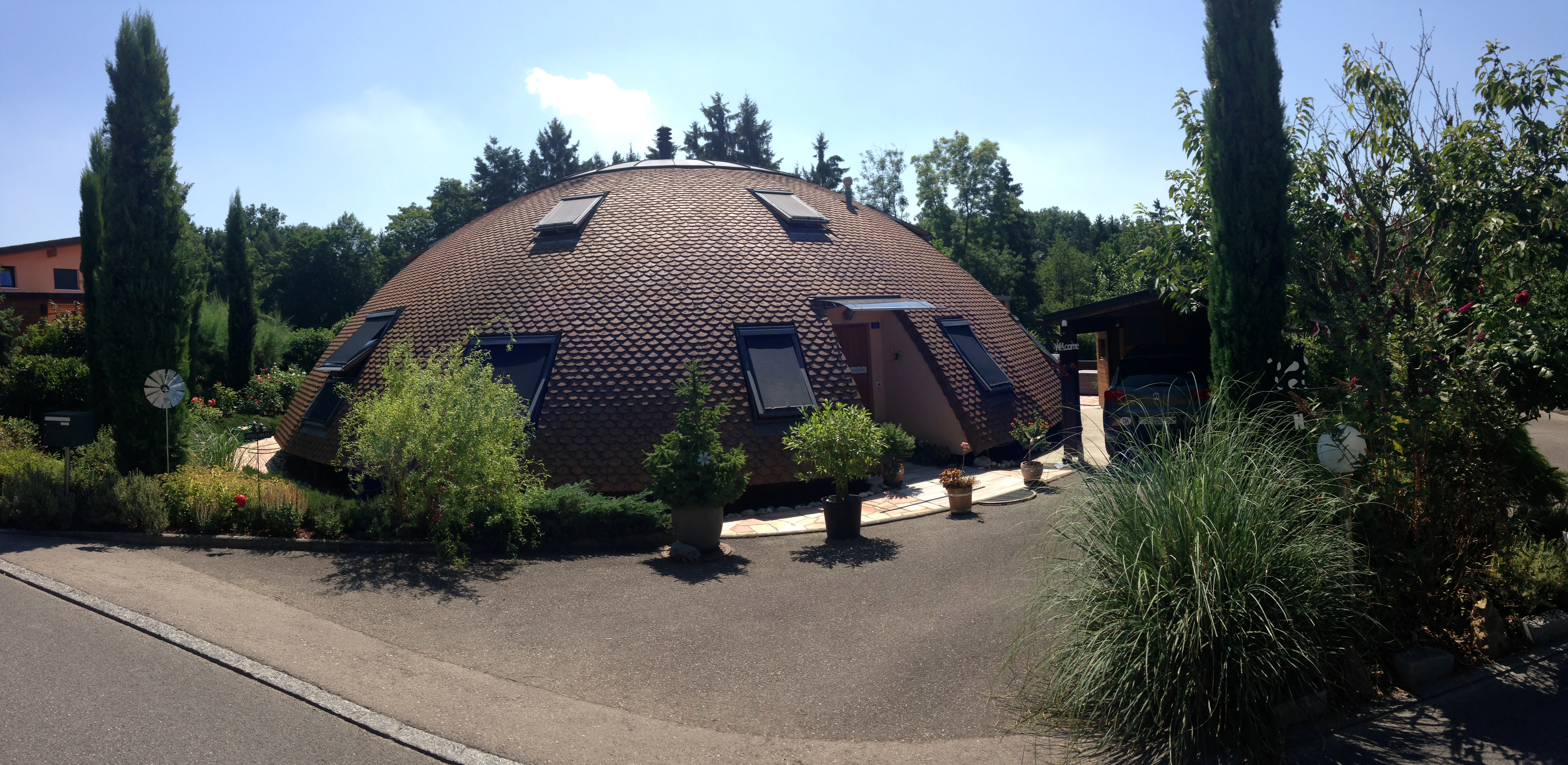 File Dome Shaped House In Switzerland Jpg Wikimedia Commons