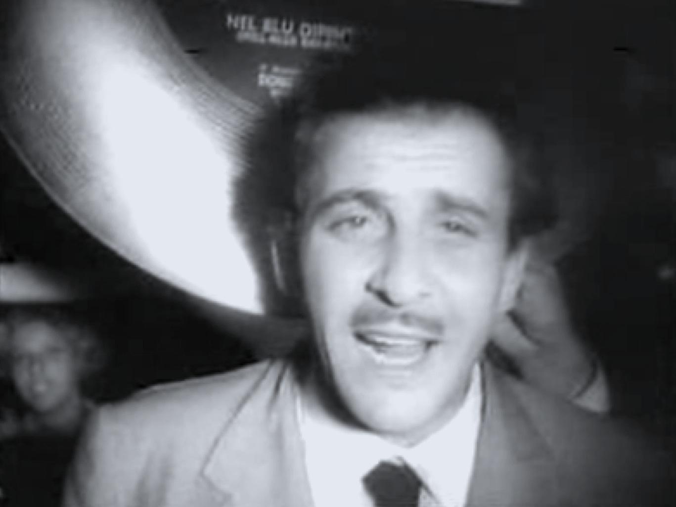 Doménico Modugno en un noticiero de 1958.