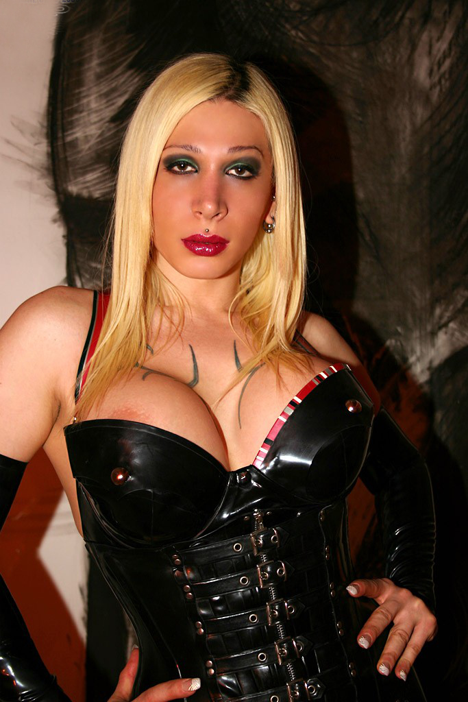 shemale latex latex domina