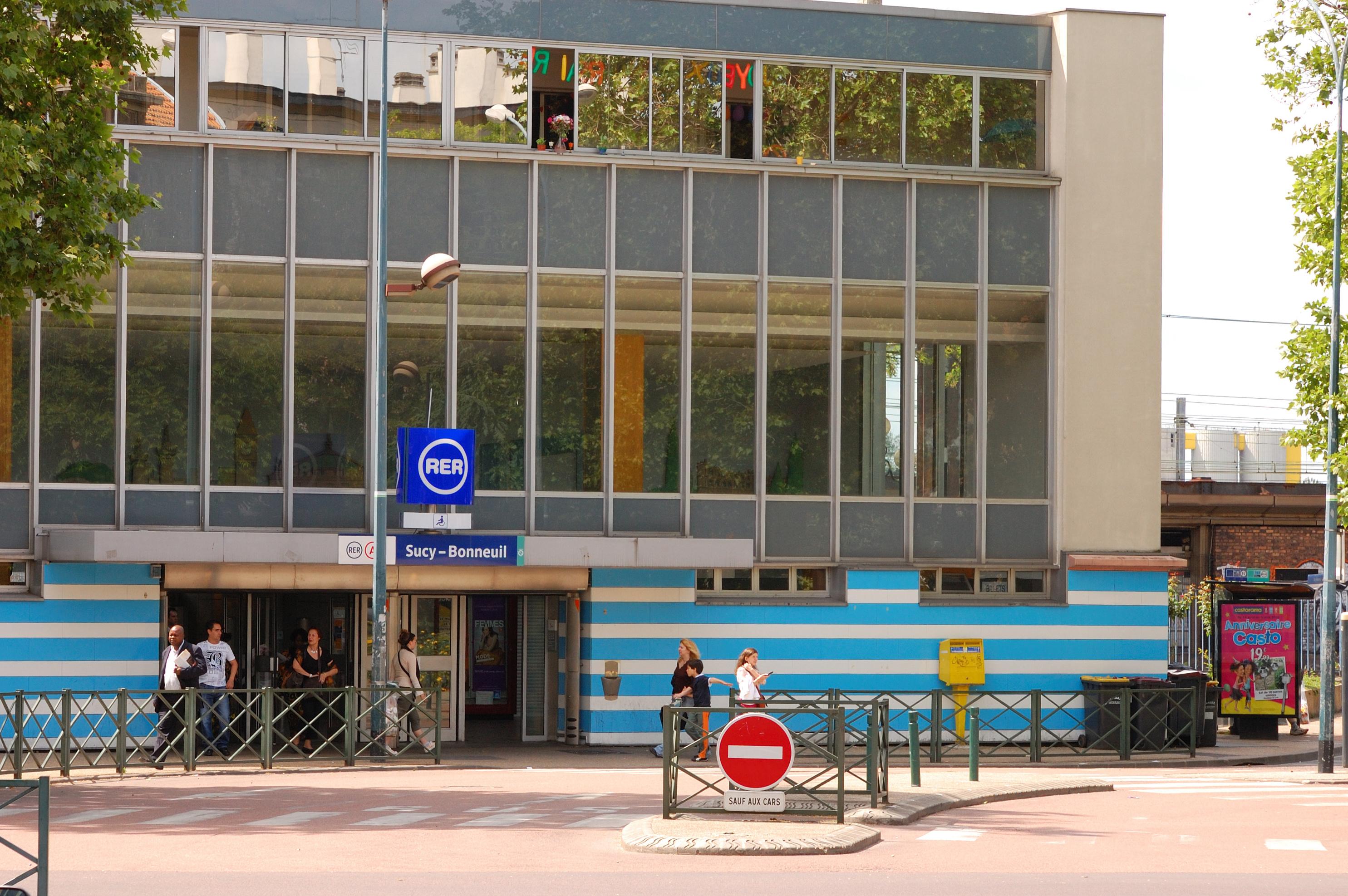 Gare de sucy bonneuil wikiwand for Appartement atypique sucy en brie