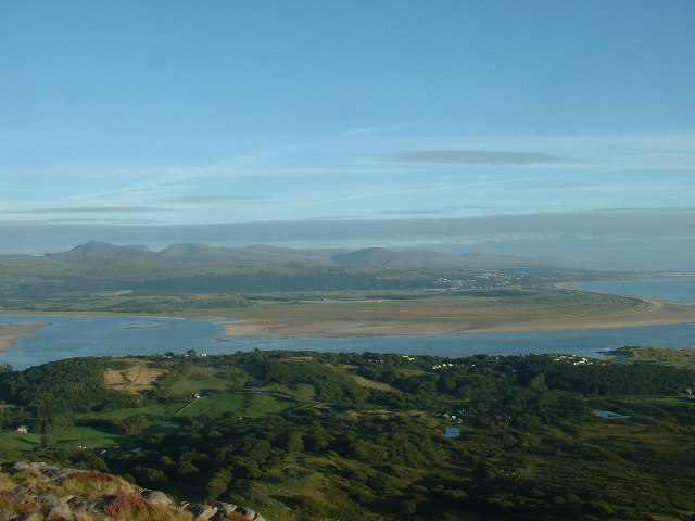 Harlech view from Moel y Gest summit - geograph.org.uk - 45665