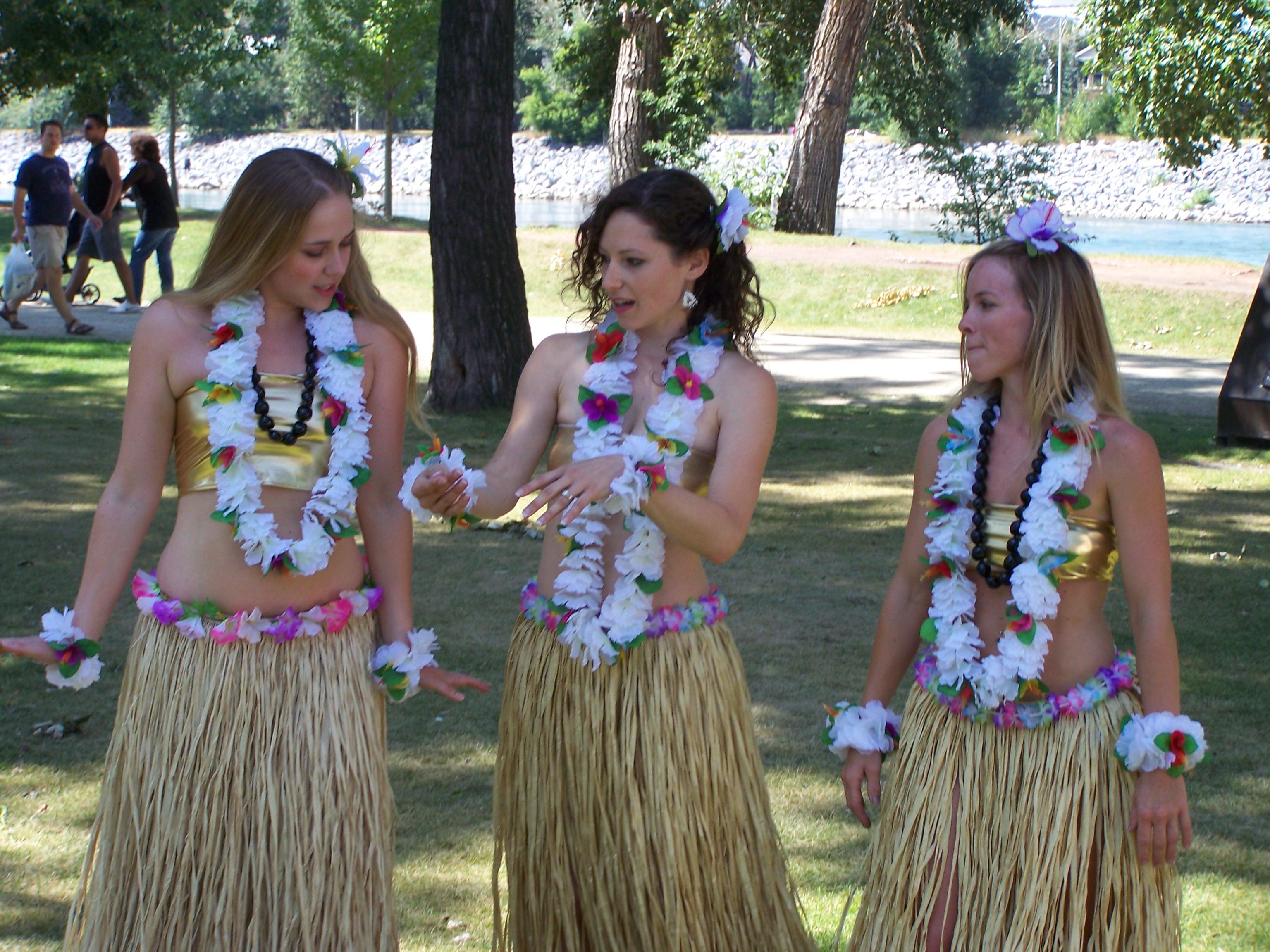1010 Gambar Baju Adat Hawaii Terbaik