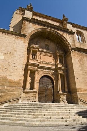 File:Iglesia-san-blas-villarrobledo.jpg