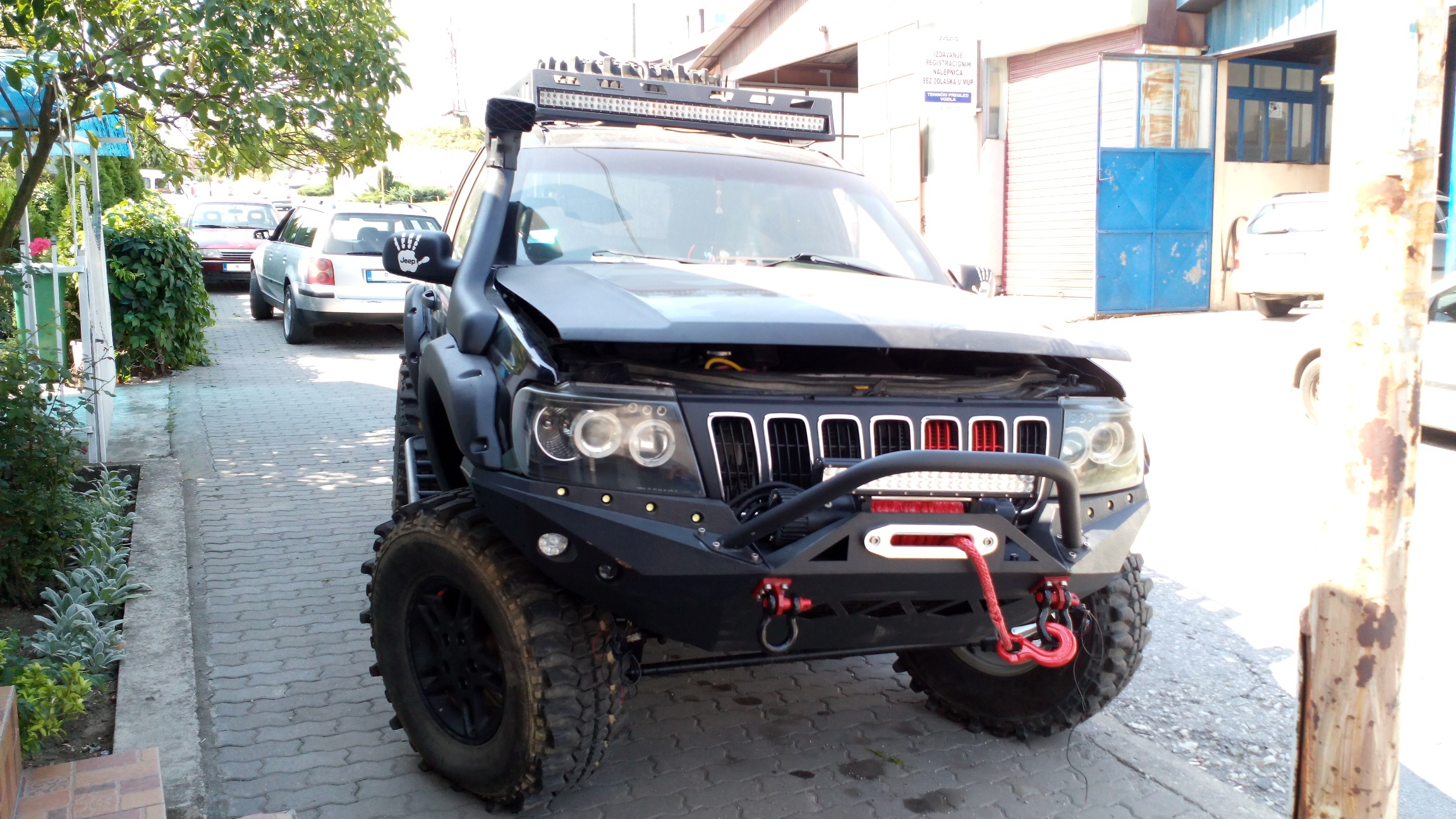 Jeep Grand Cherokee Off Road >> File Jeep Grand Cherokee Wj Offroad Front Jpg Wikimedia