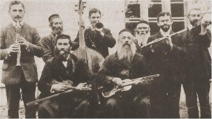 Músicos judíos de Rohatyn, Ucrania occidental, 1912.