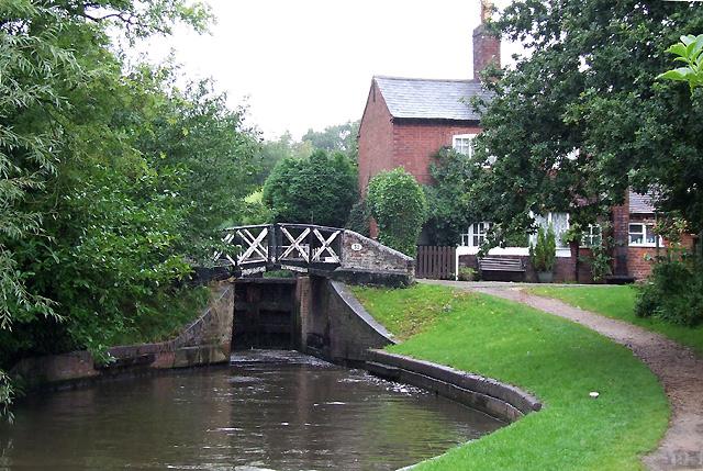 Lapworth Locks No 7, Stratford Canal, Warwickshire - geograph.org.uk - 964202
