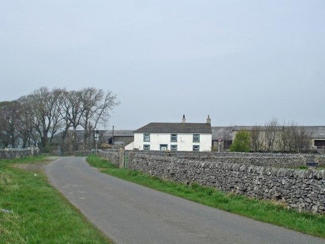 Limestone Way approaching Mount Pleasant Farm - geograph.org.uk - 413644
