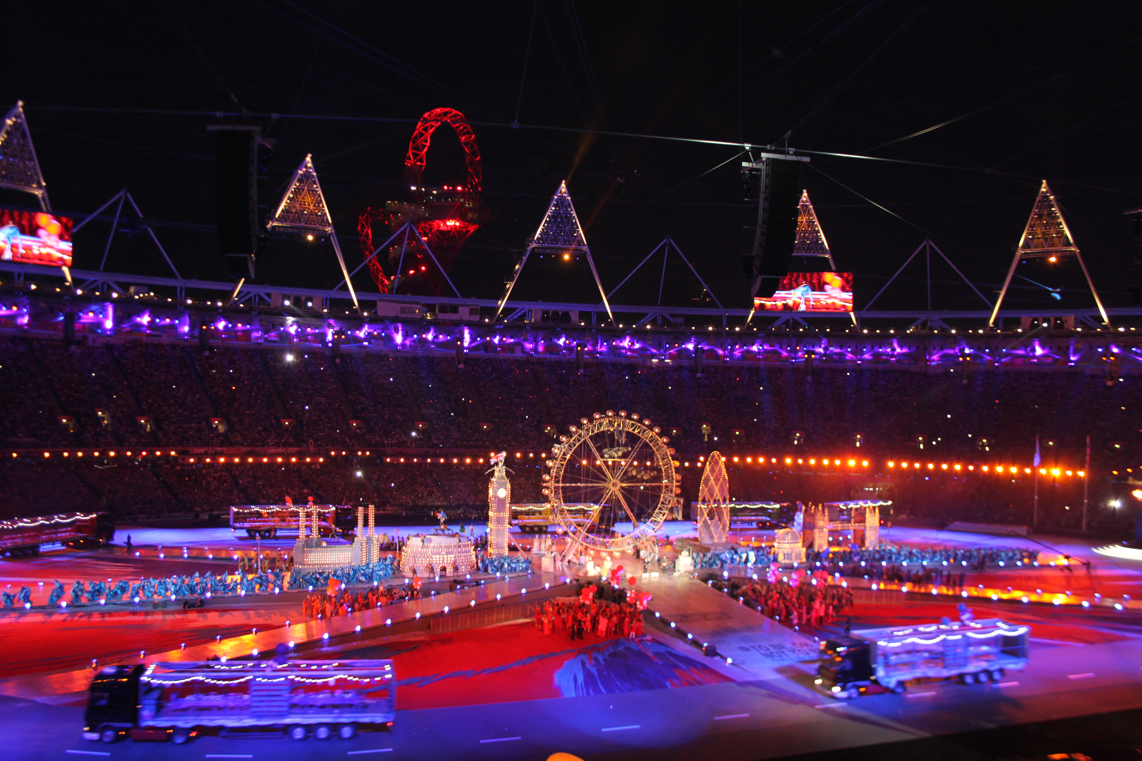 Spice Girls One Direction Bring Olympics to a Dazzling End