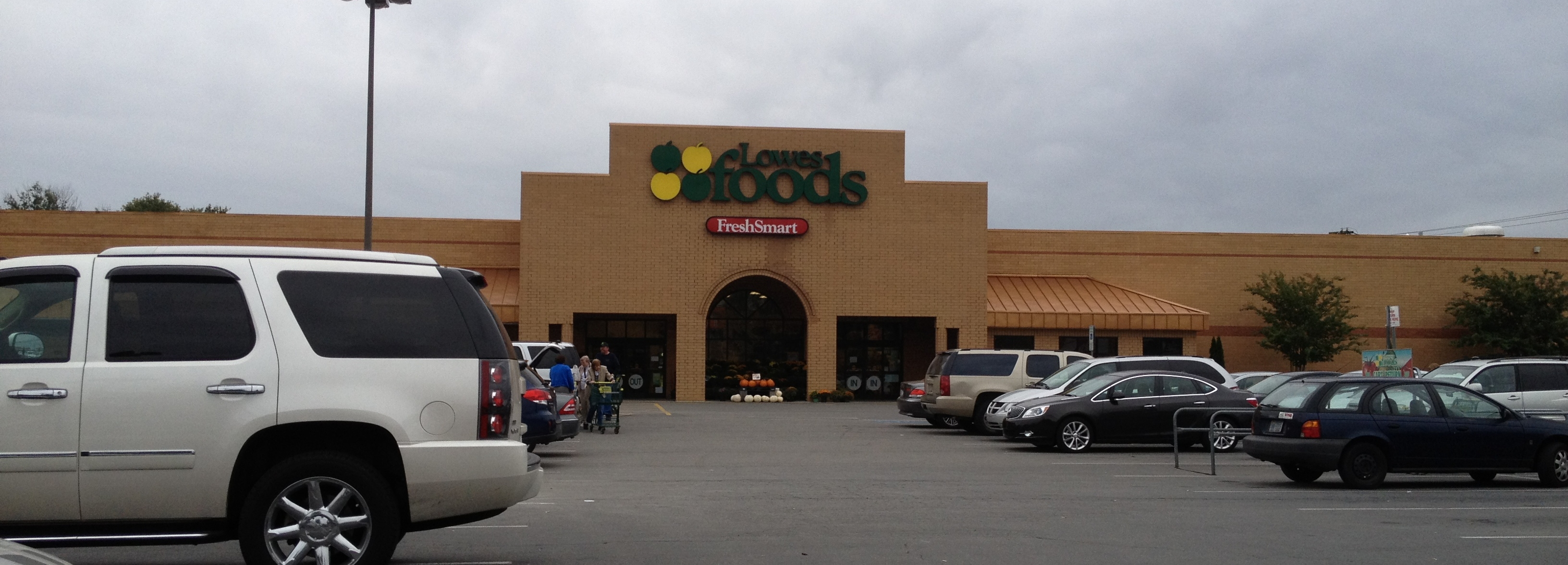 Lowes Foods On North Center Street Hickory Nc