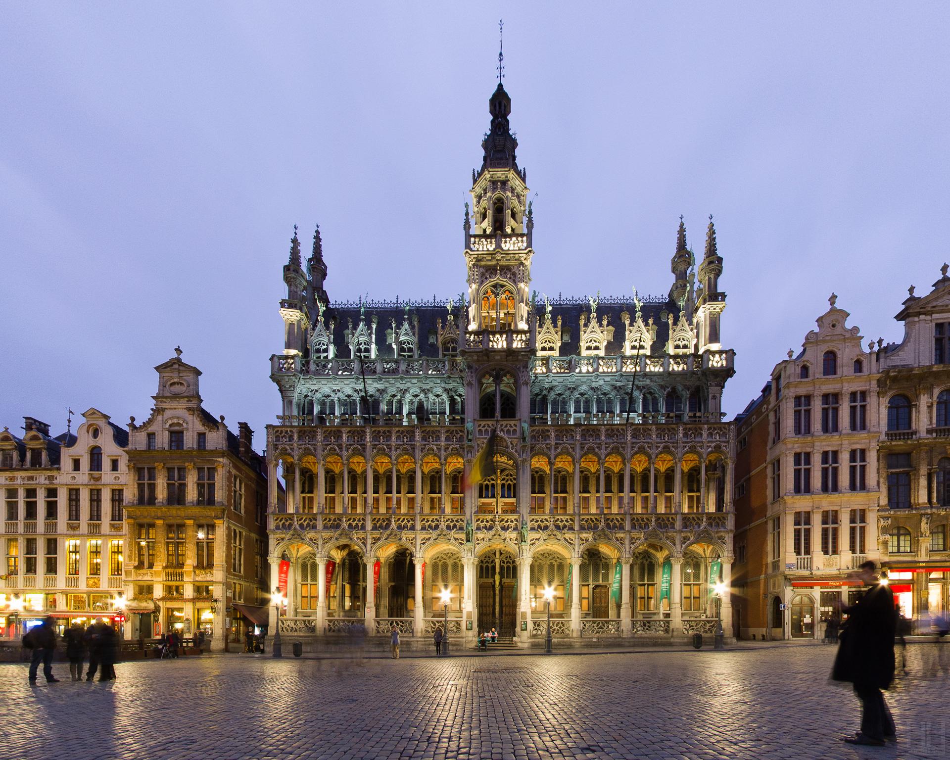 File maison du roi broodhuis 5427343401 jpg wikimedia for Maison minimaliste belgique