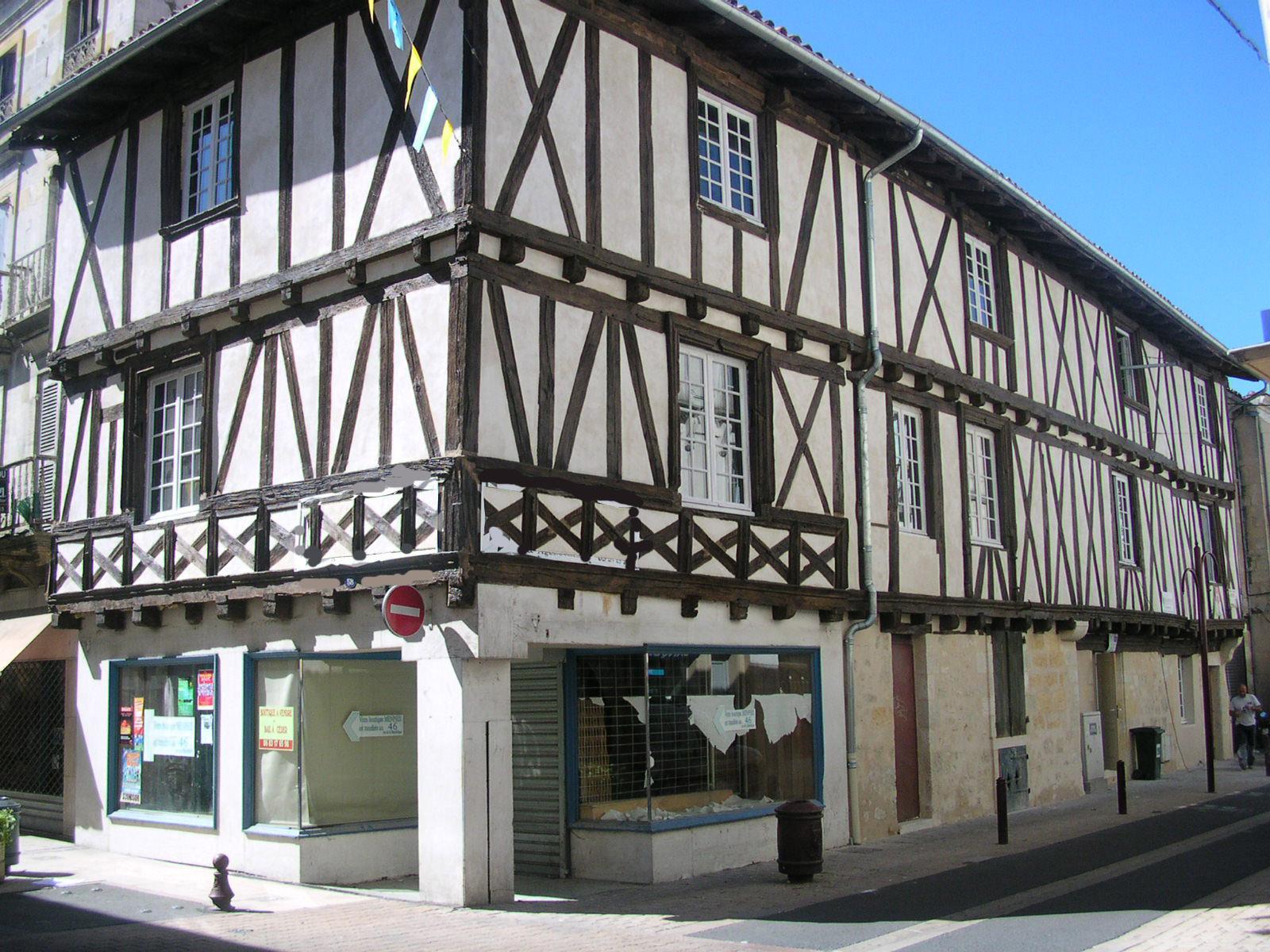 File:Maison style moyen age - panoramio.jpg - Wikimedia Commons