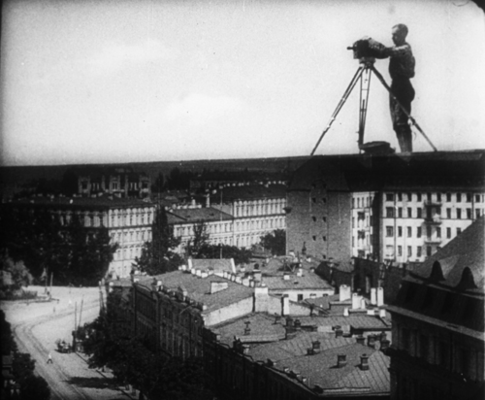 File:Man with a movie camera 1929 3.png - Wikimedia Commons