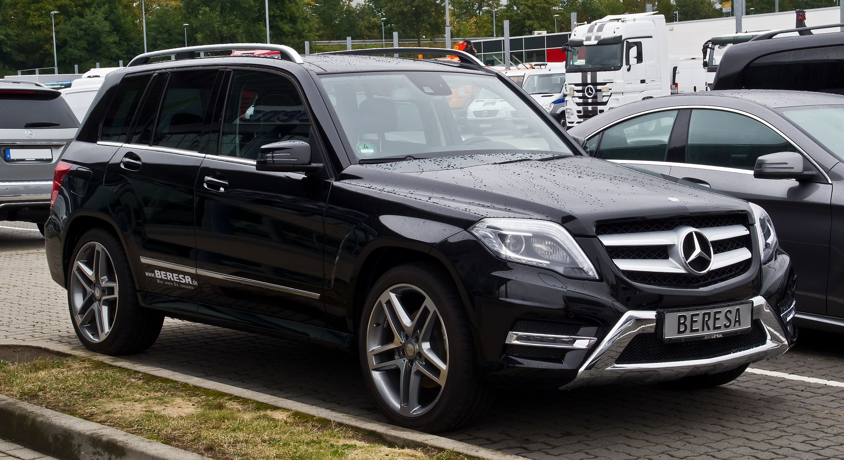 File mercedes benz glk 250 4matic sport paket amg x 204 for Sporty mercedes benz