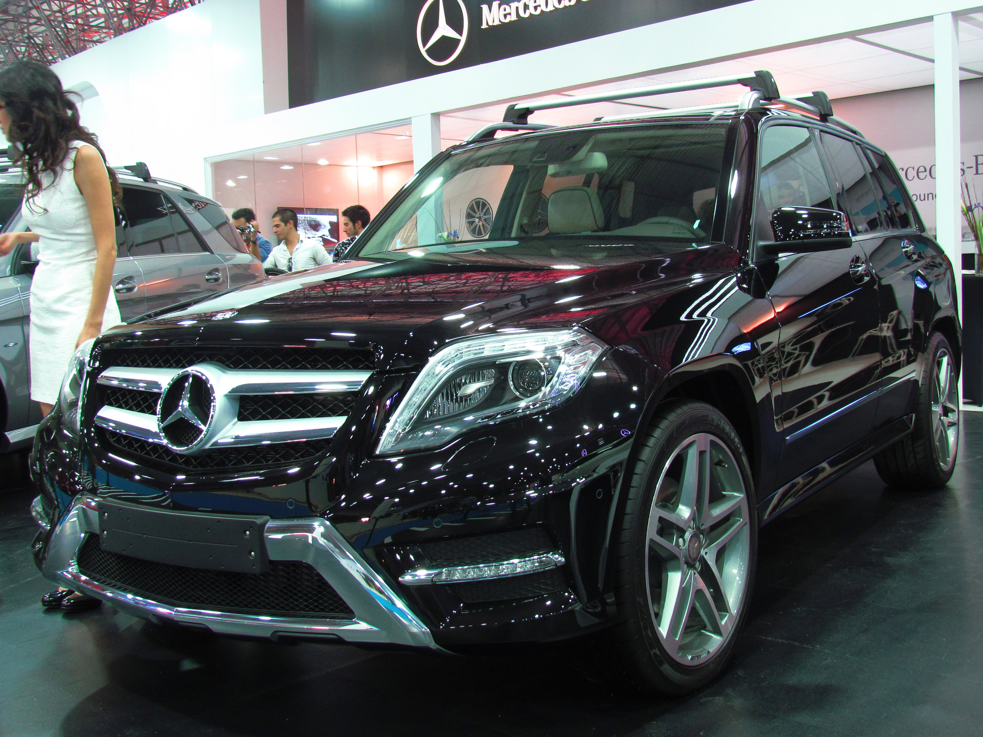 file mercedes benz glk 220 cdi 4matic 2013 14320693060 jpg wikimedia commons. Black Bedroom Furniture Sets. Home Design Ideas