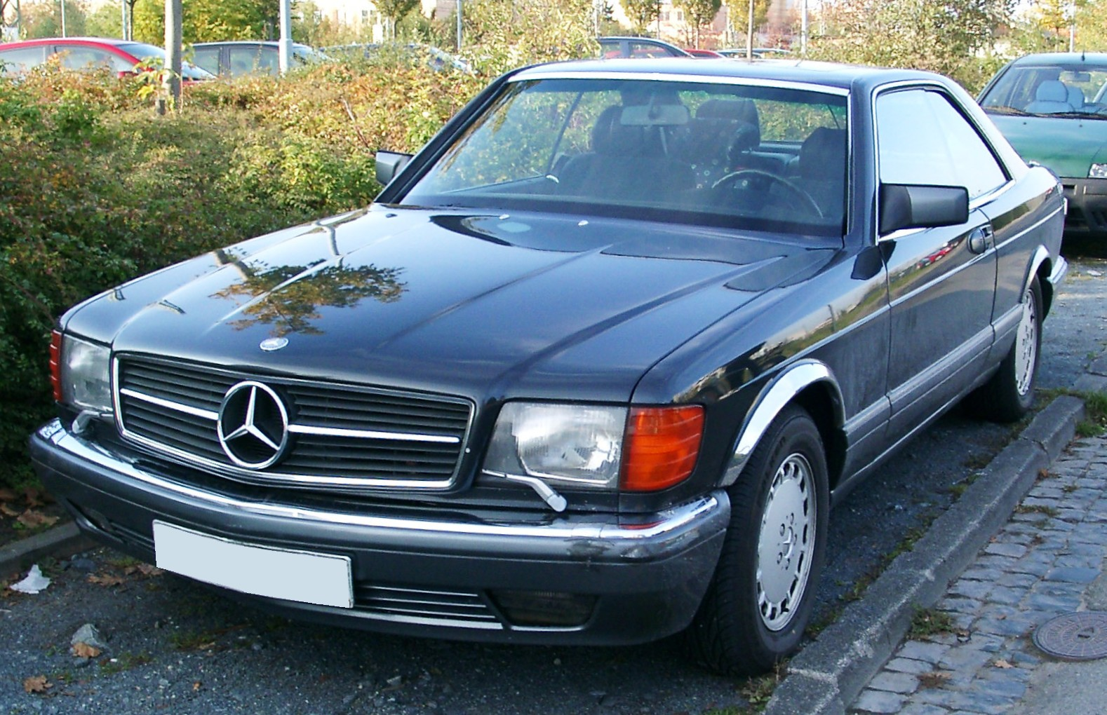 File mercedes c126 front wikimedia commons for Mercedes benz complaint department
