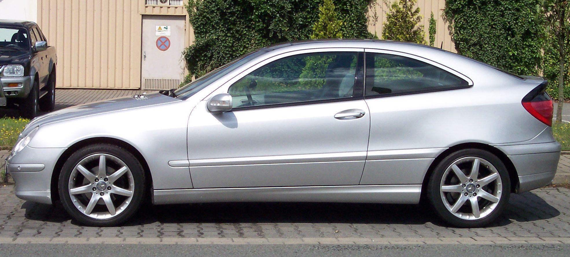 Busch Mercedes-Benz R-Klasse V251 in obsidianschwarz metallic PC