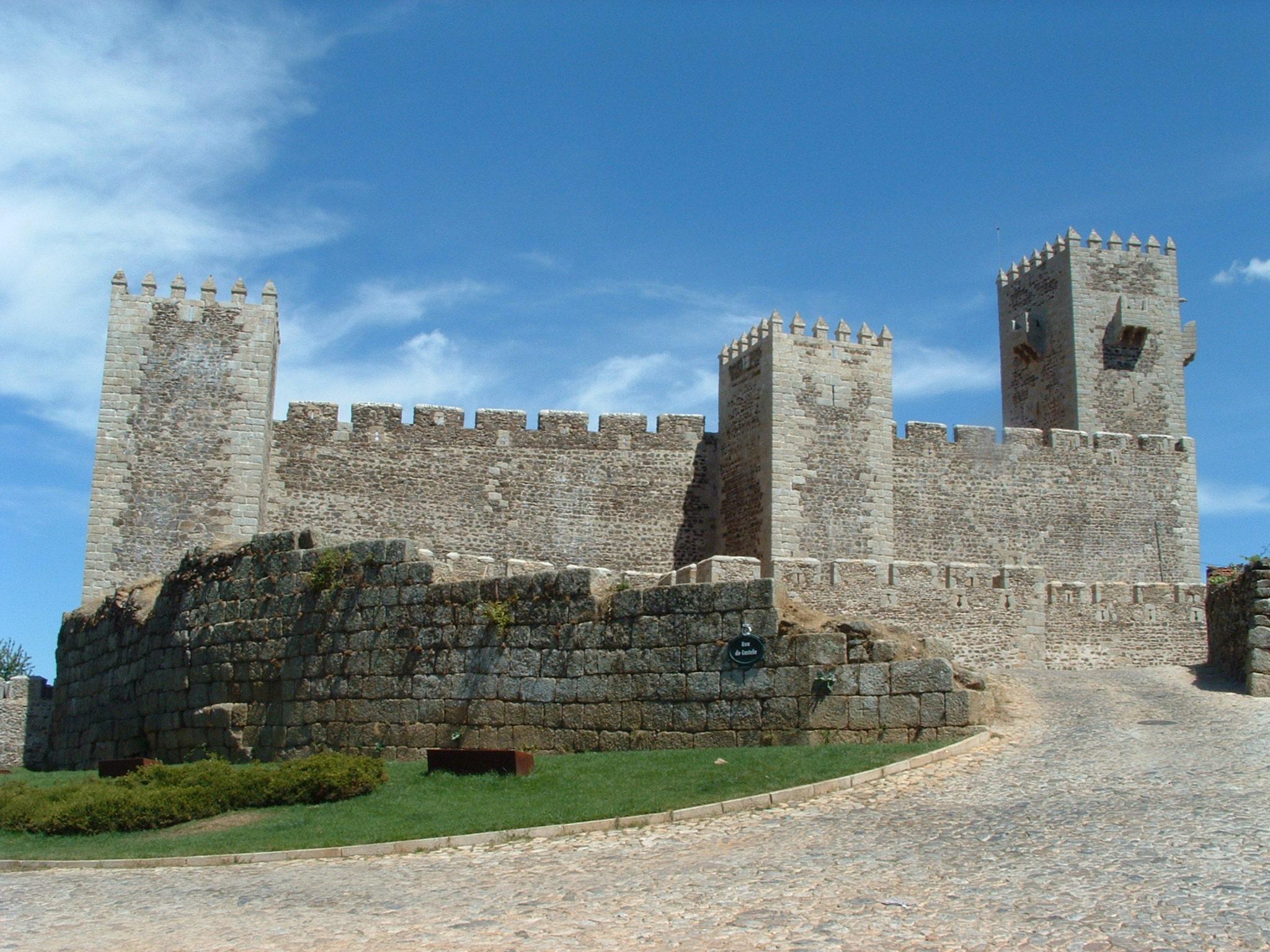 Sabugal Castle - Wikipedia