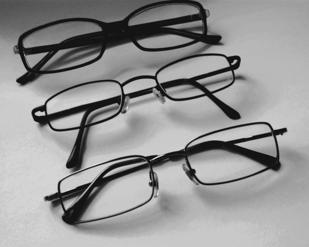 499d8aaefed5d Okulary korekcyjne – Wikipedia, wolna encyklopedia
