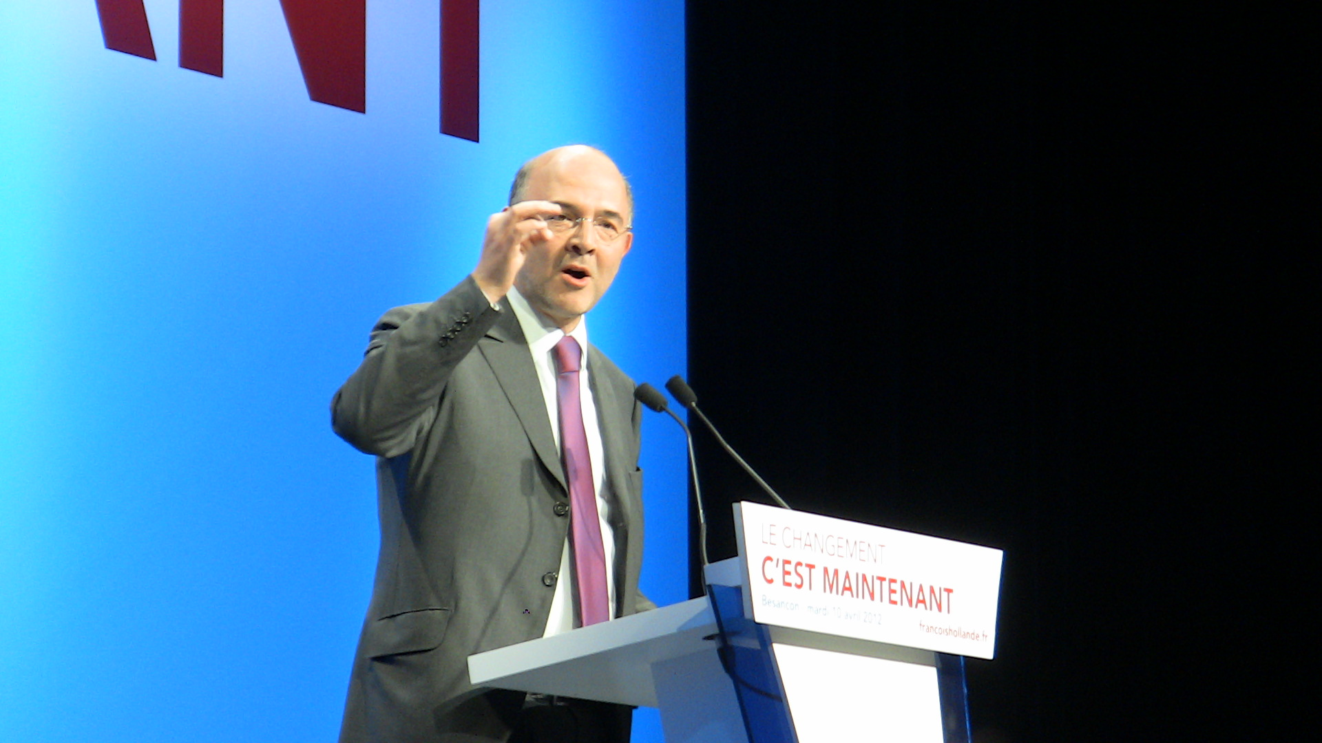Pierre Moscovici promuove la Legge di Stabilità