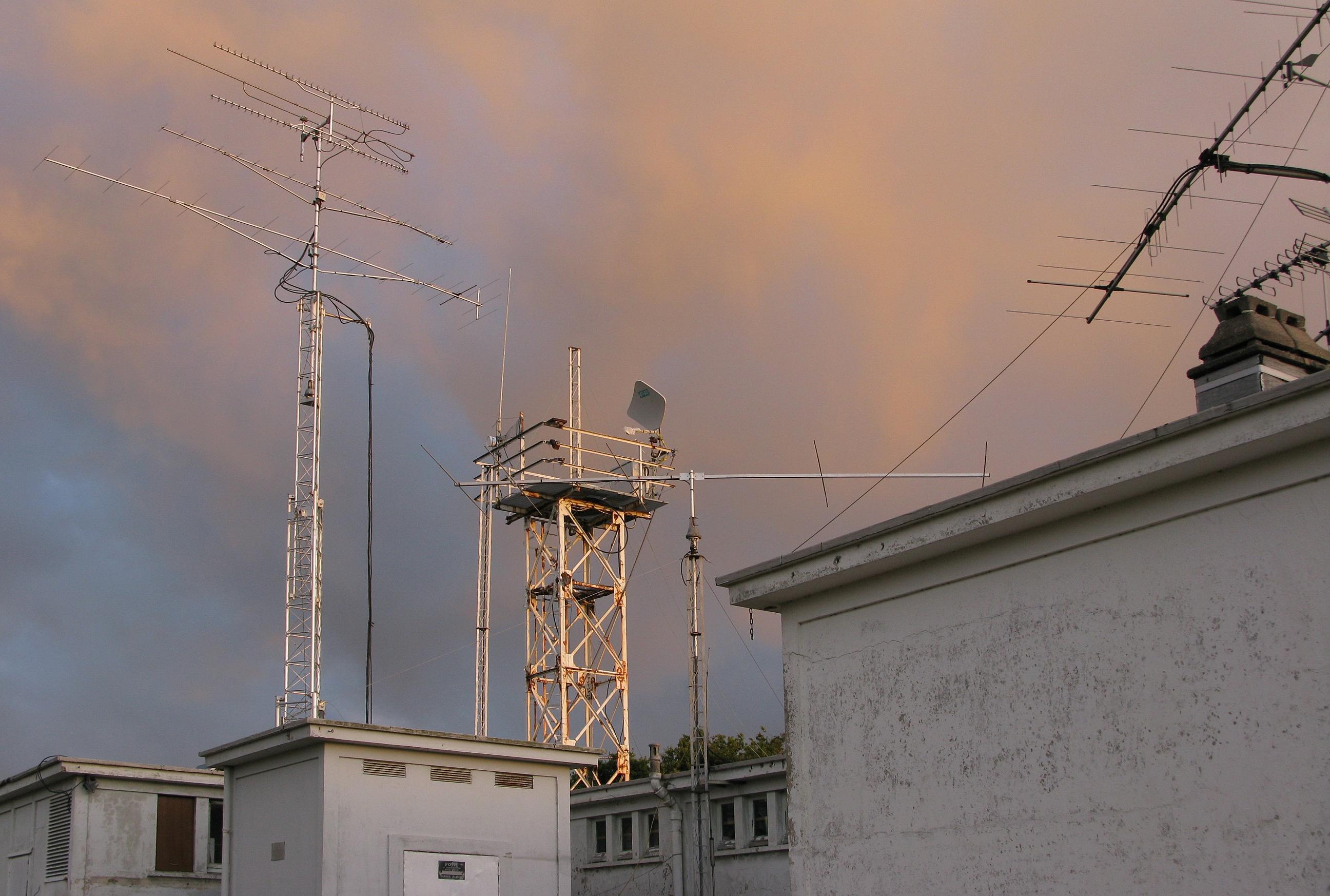 FichierRadioamateur   Antenna Farm.jpg — Wikipédia