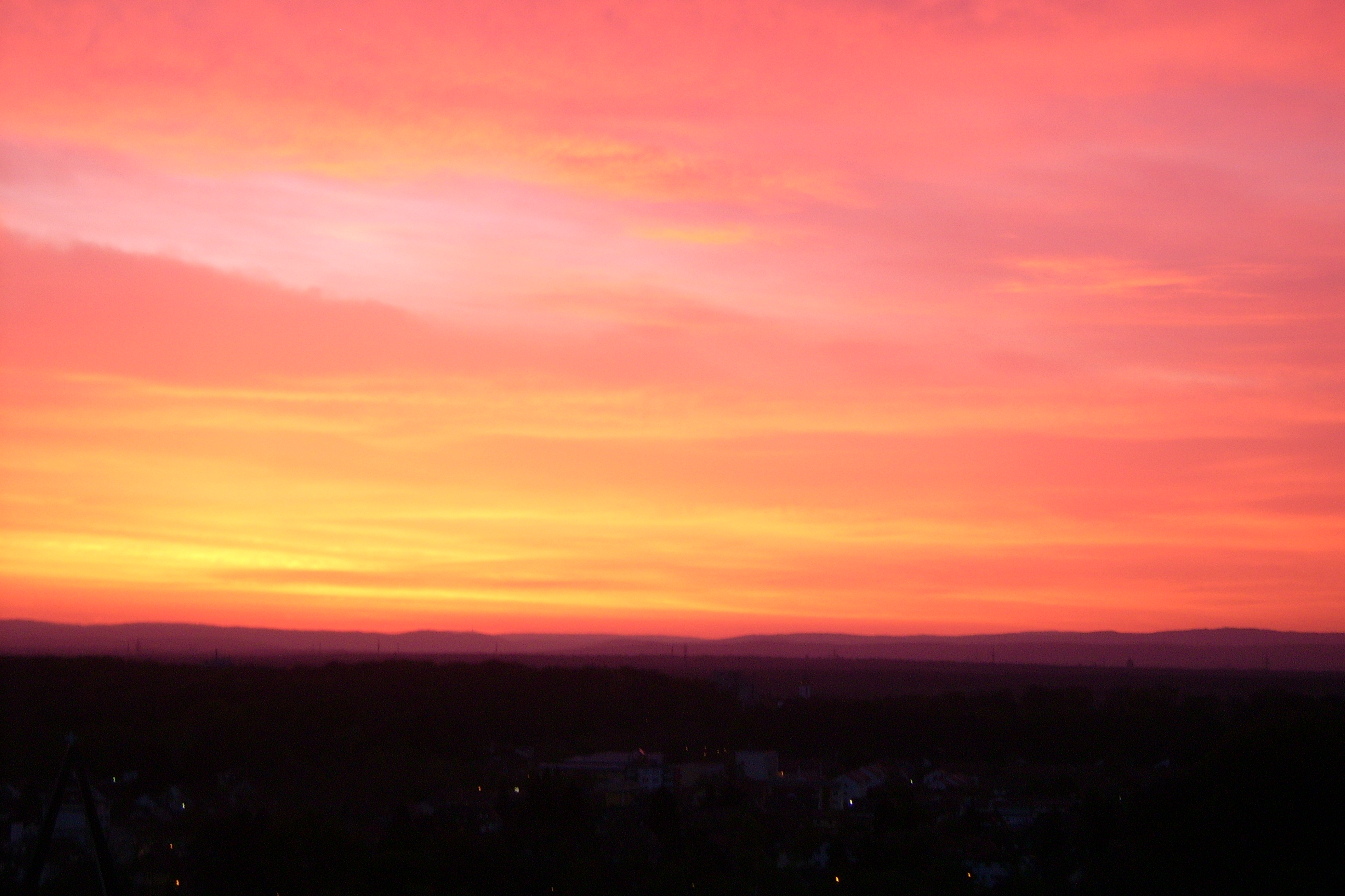 File:Red Sky - Dawn 1.JPG - Wikimedia Commons