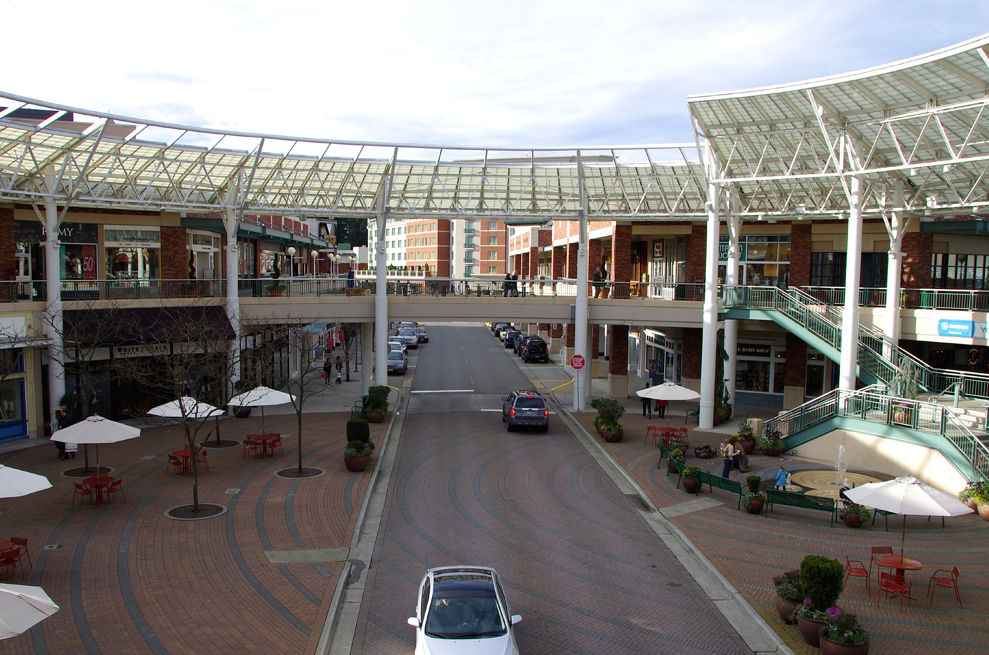 Redmond Town Center is located in Redmond, Washington and offers stores - Scroll down for Redmond Town Center shopping information: store list (directory), locations, mall hours, contact and 3/5(6).