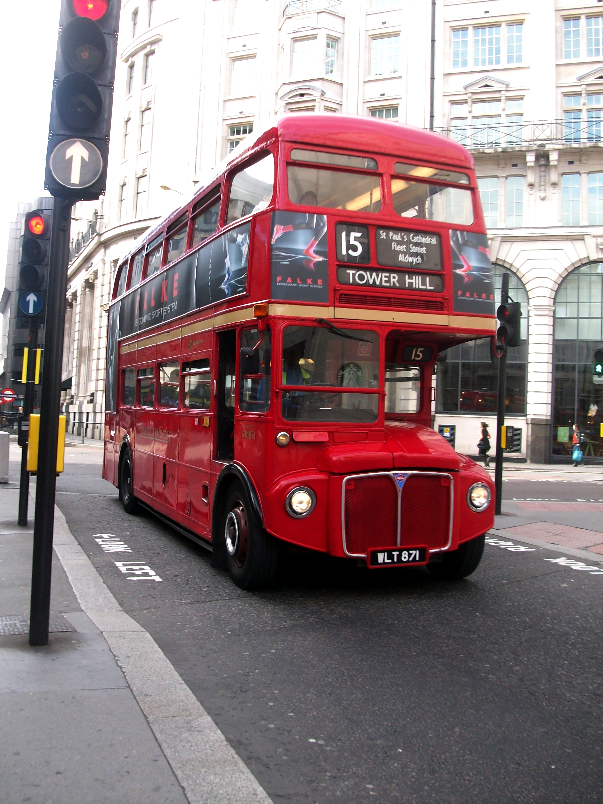 File Routemaster London Bus Route 15 To Tower Hill Jpg Wikimedia Commons