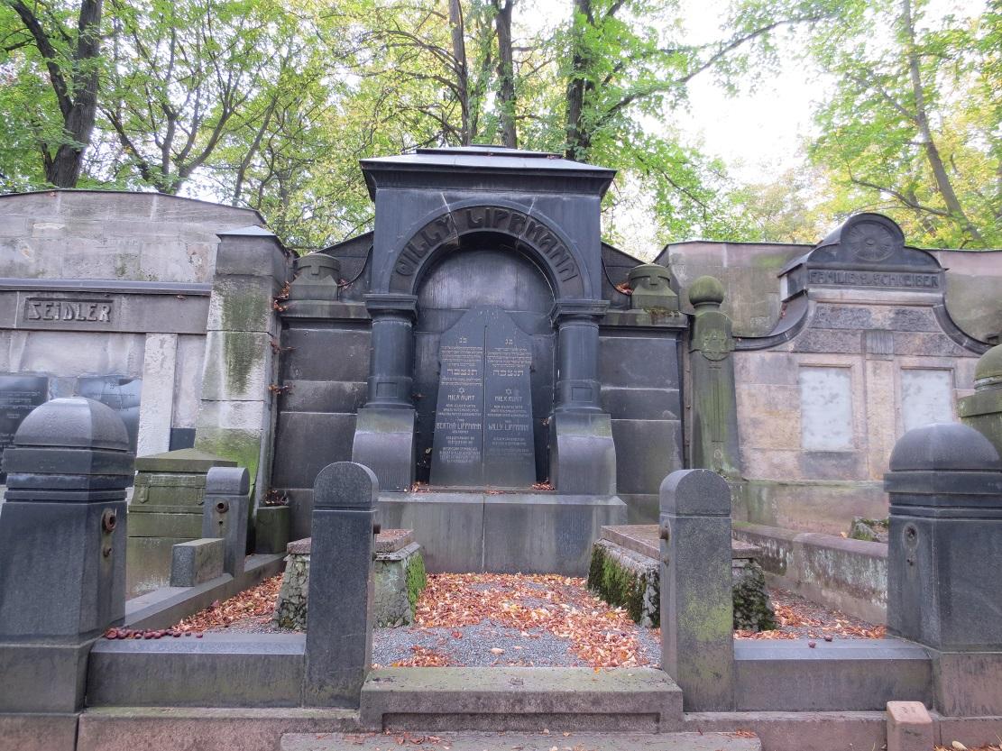 Sachgesamtheit Israelitischer Friedhof. Bild 10.JPG