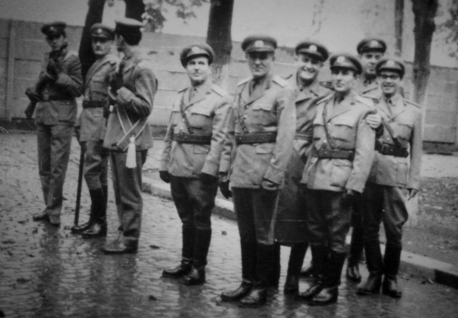 Description Sirghie Gheorghe - La Scoala Militara de Muzica.JPG
