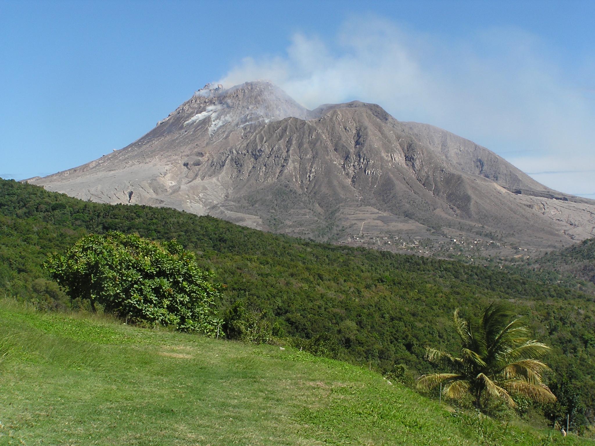 an analysis of the soufriere hills volcano eruption on montserrat island in 1997