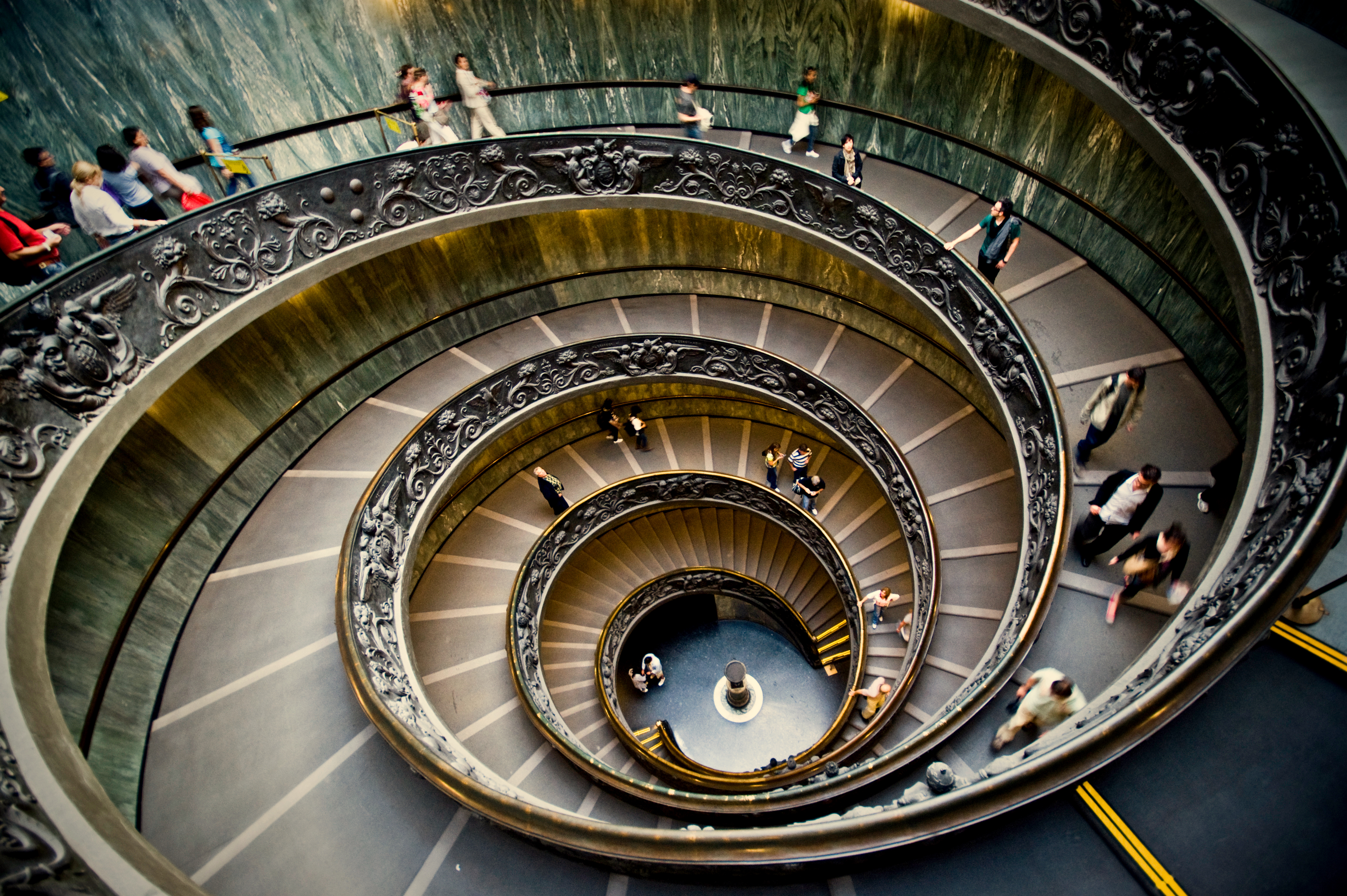 Outstanding Vatican Museum Spiral Staircase 4592 x 3056 · 8990 kB · jpeg