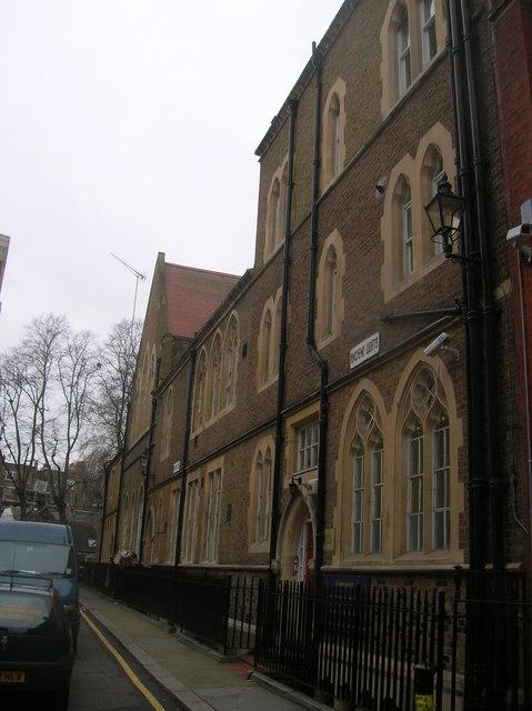 St Mary Abbots Church of England Primary School, Kensington Church Court, London W8 - geograph.org.uk - 667570