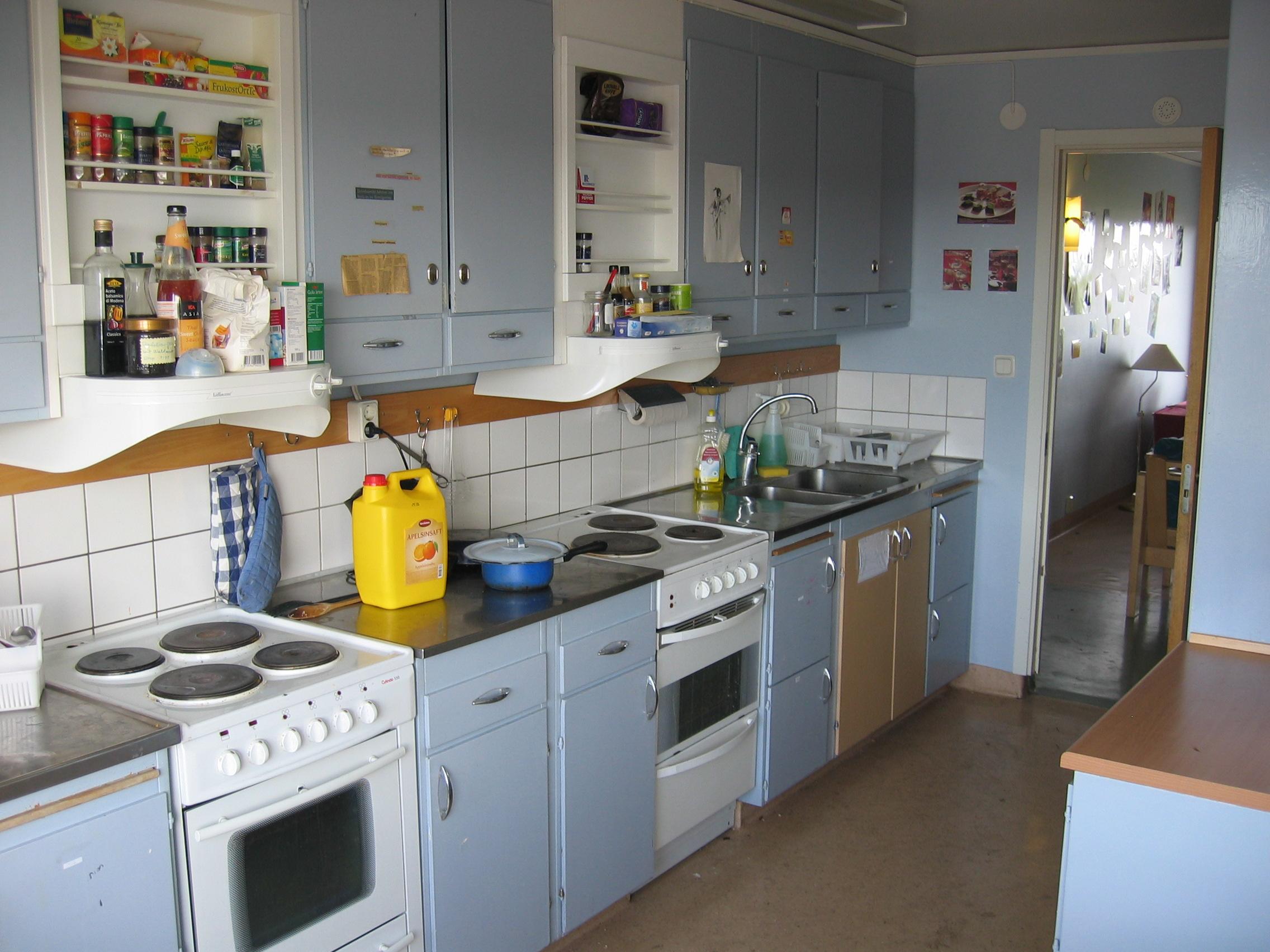Small Kitchen Under Cabinet Tv