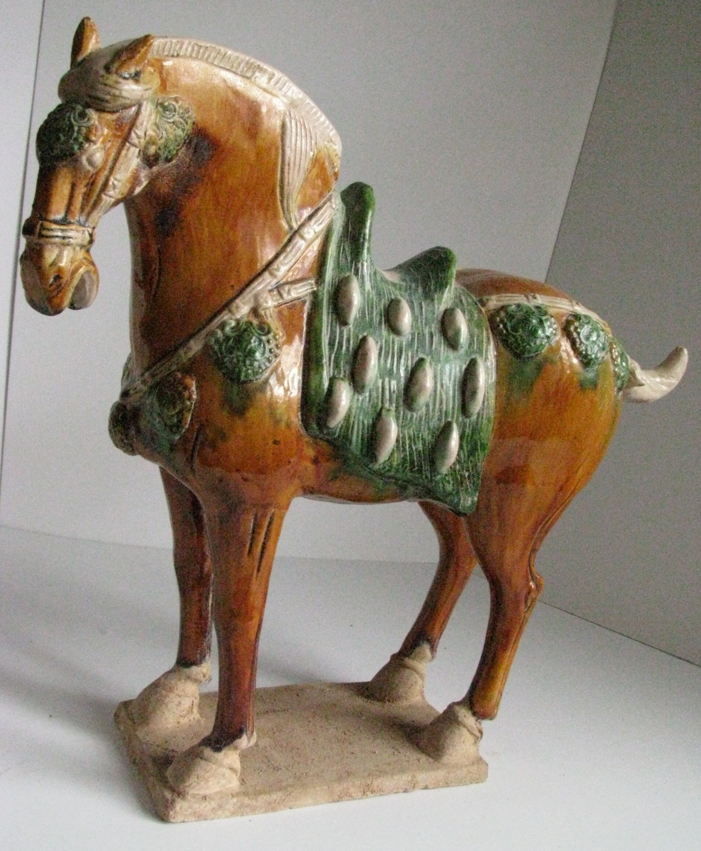 Tang Dynasty Pottery File:Tang - Ferghana W...