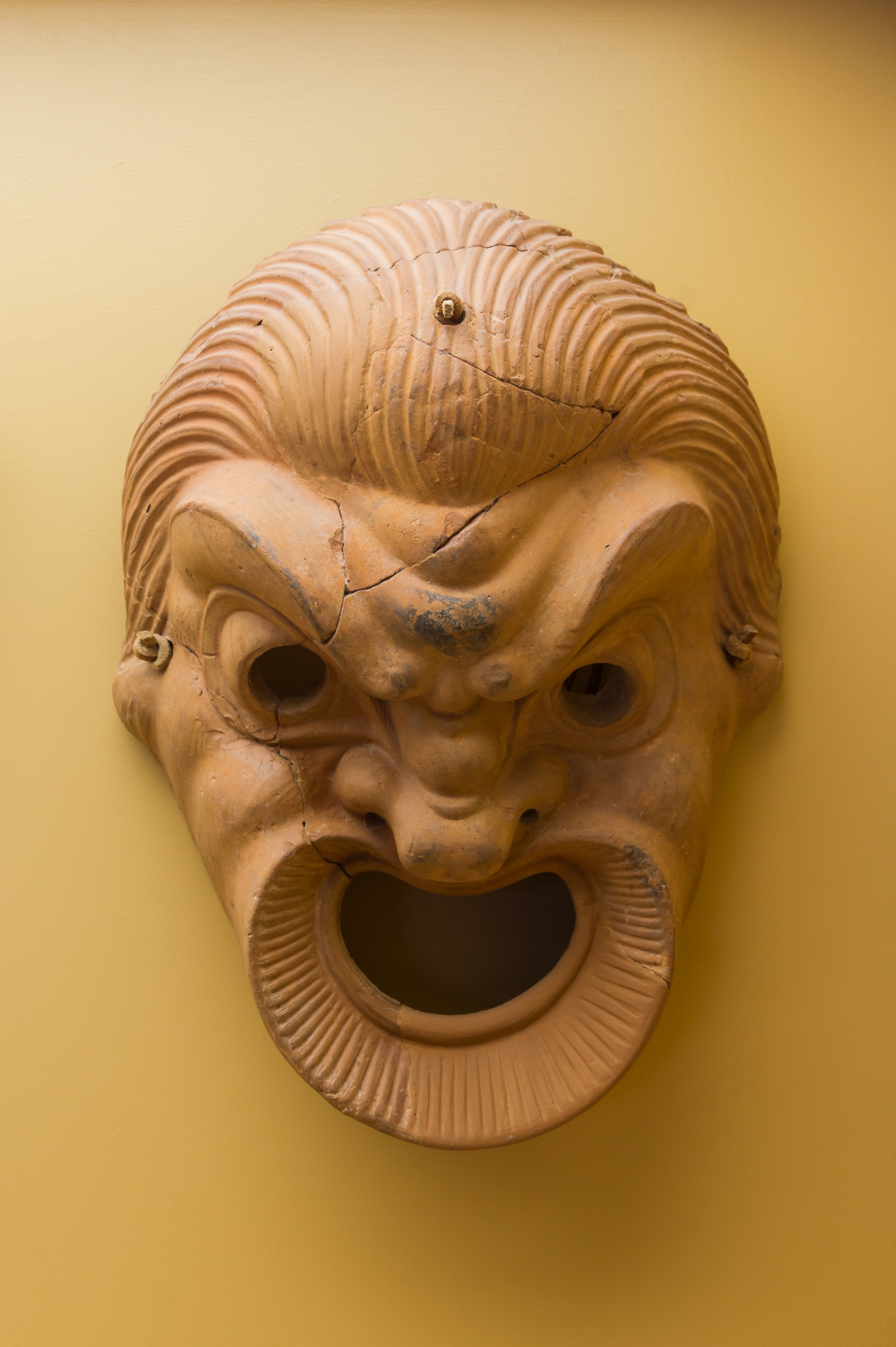 File terracotta comedy mask agora museum for Agora decoration
